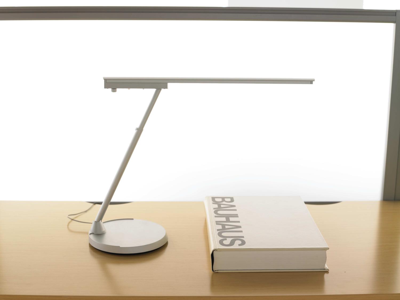 conflux lighting teknion office furniture. Black Bedroom Furniture Sets. Home Design Ideas