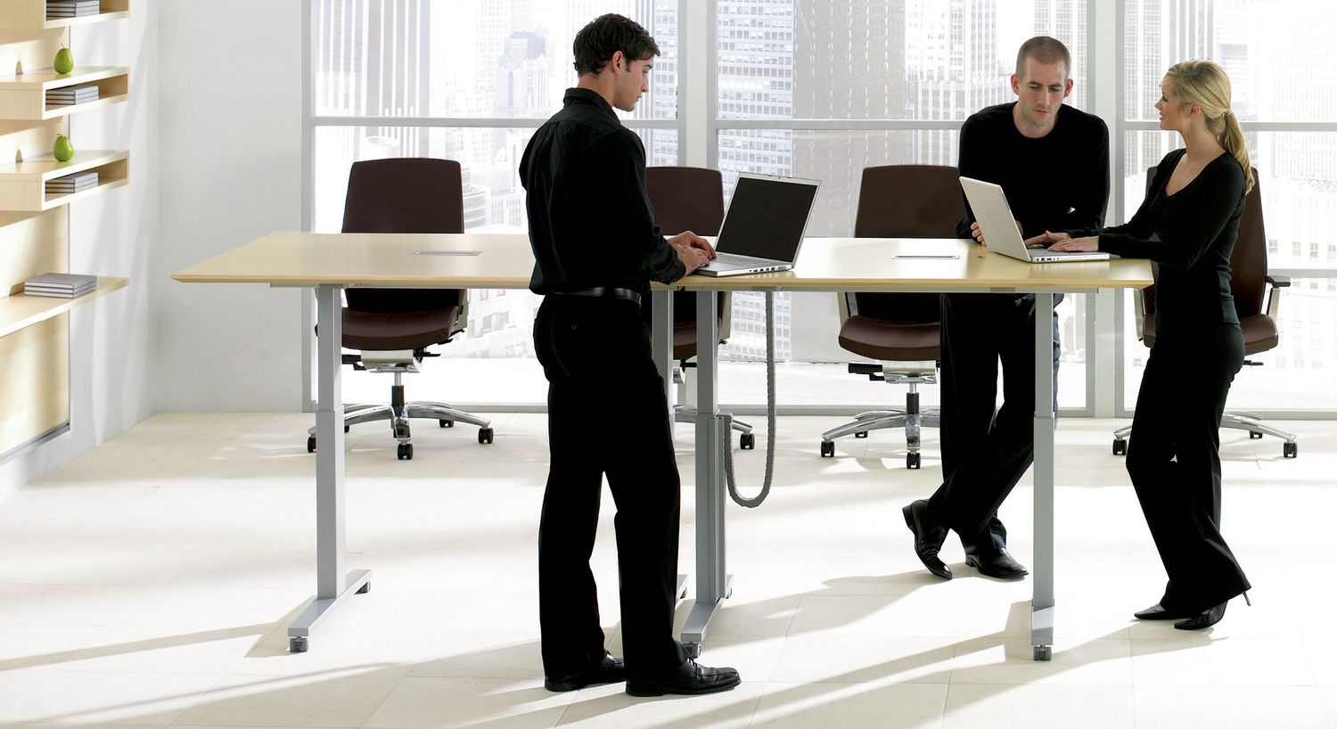 Boardroom Meeting Tables - Stand up meeting table