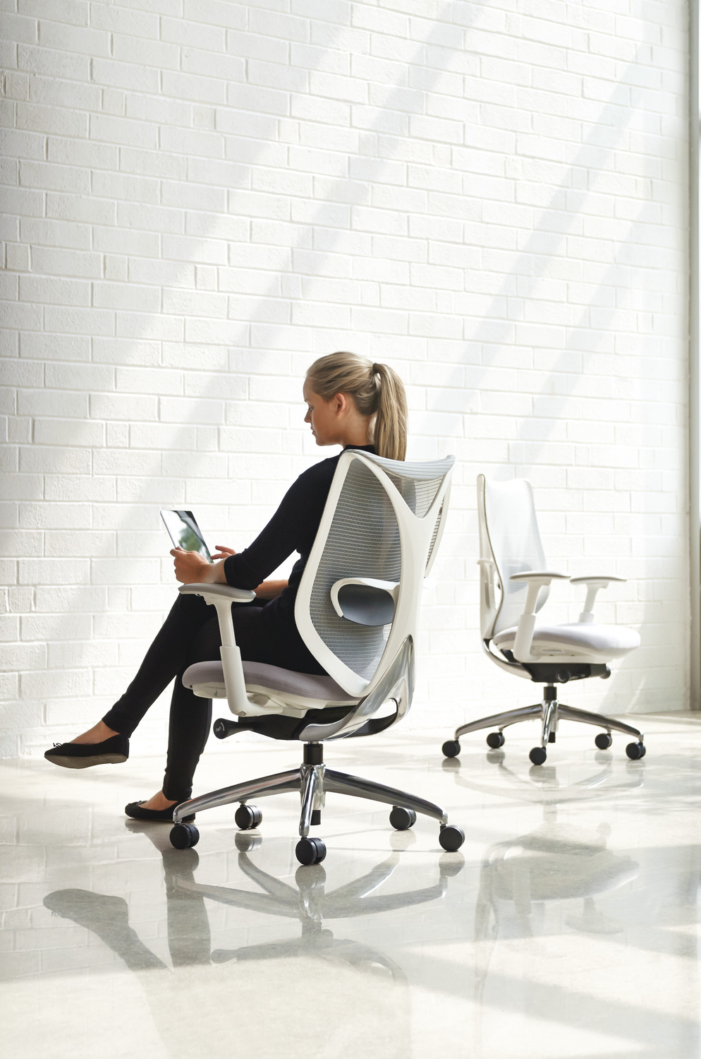 SabrinaTask Chair - 3/4 View Group - Basalt Mesh - Very White Frame - Polished Aluminum Base - Height Adjustable Lumbar.tif
