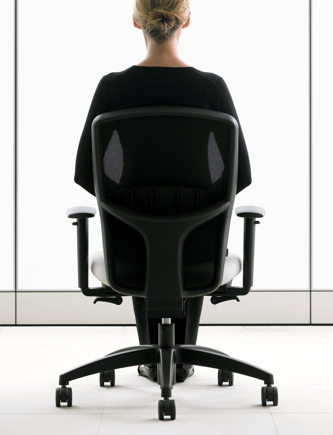T3 Task Chair - Back View - Brochure Cover - Black Mesh Back.tif
